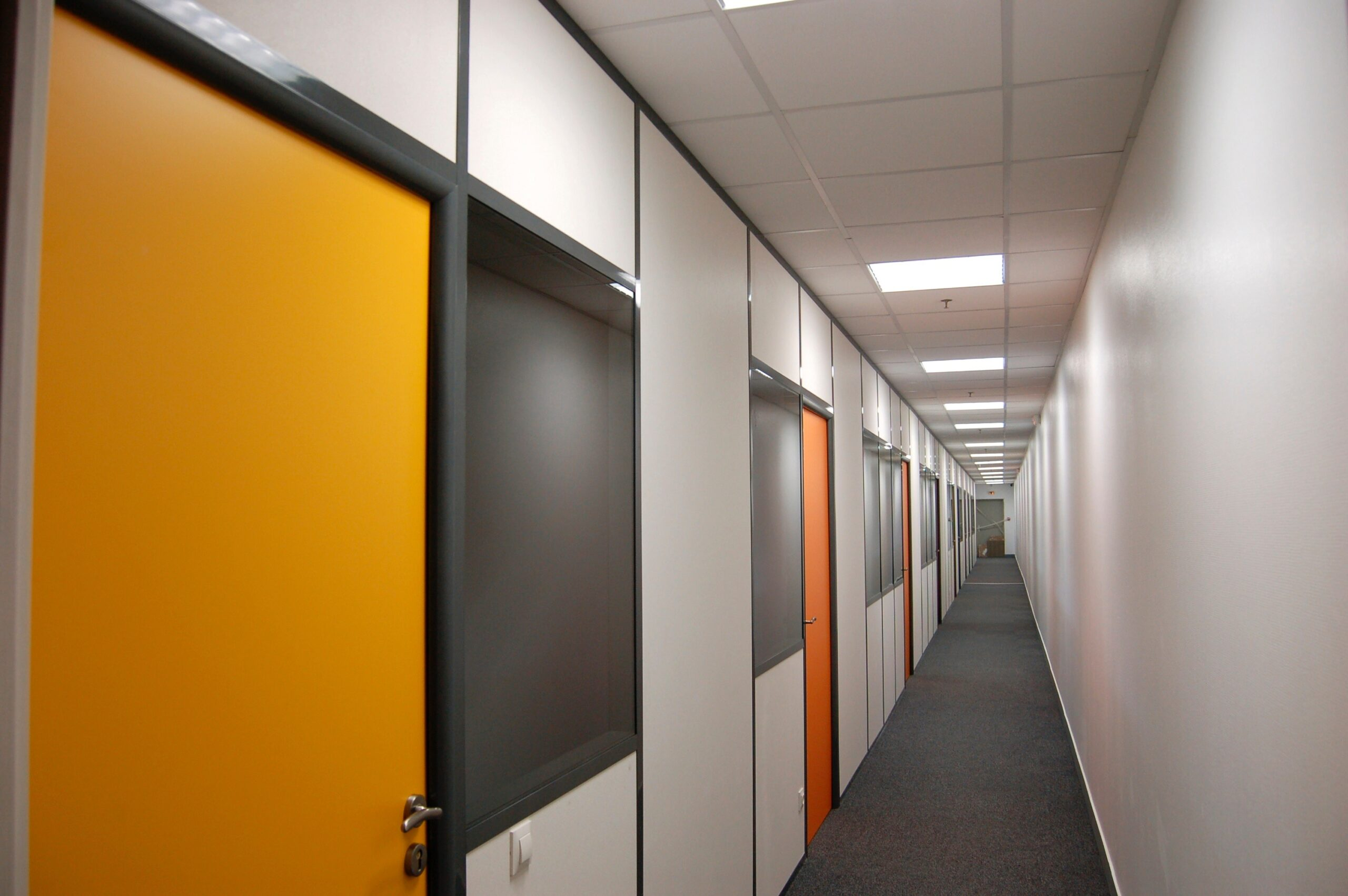 Mory Group, aménagement d'espaces intérieurs, bureaux, cloisons, acoustique, société ABFC Marseille