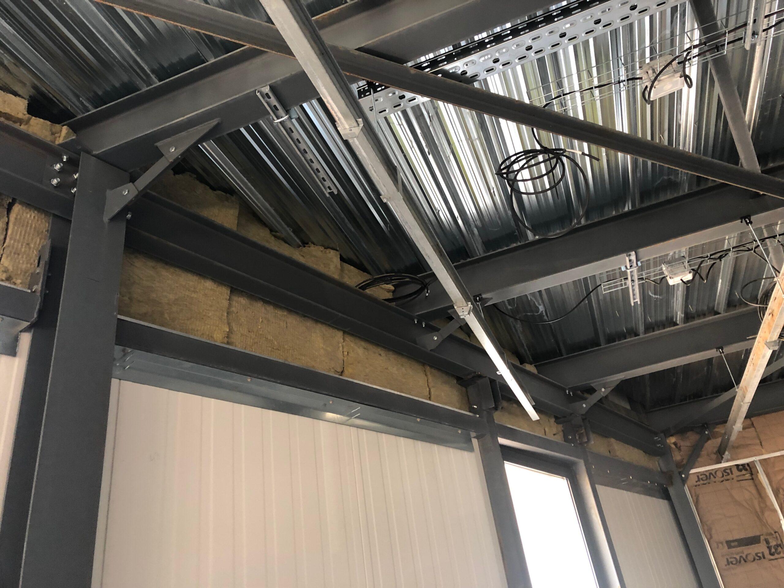 doublages thermiques, les cloisons placostill, mis en place des faux plafonds acoustiques.